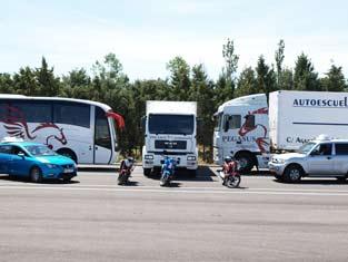 Vehículos de la autoescuela Pegasus de Ávila para realizar prácticas